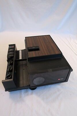 GAF 2680 2x2 SLIDE PROJECTOR with remote, editor, 2 rotary trays, extra bulb