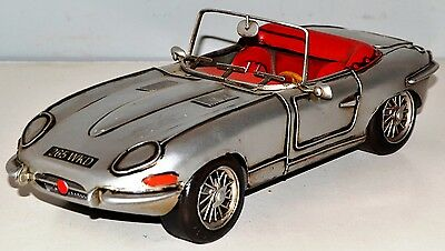 jaguar e - type um 1961 blechauto blechmodell tin model vintage car 32 cm 37492