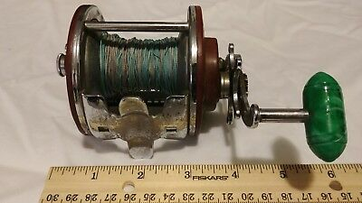 Vintage Penn Peer No. 209 Level Wind Fishing Reel green handle
