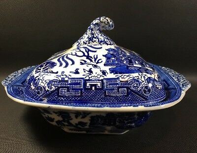 Vintage Newport Pottery Blue Willow Pattern Covered Serving Bowl Nice 7C