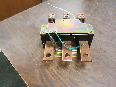 Cutler-Hammer Current Transformer C31102-085-50 Ratio 300:5A 50-400Hz 600V