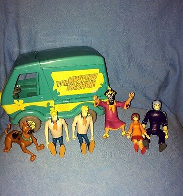 Hanna Barbera Scooby Doo Mystery Machine Fold Out Van Playset & Figure Lot