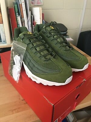 best service a6a1c abed9 NIKE AIR MAX 95 STUSSY DARK OLIVE GREEN size 9