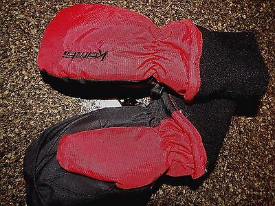 Kombi enfant winter mittens, red size M aprox age 3yr, warm, waterproof
