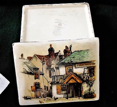 Antique Amazing Hand Painted English Porcelain Box c/ 1850's