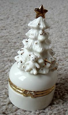 Vtg GHE Off-White Christmas Tree Handpainted Gold Accents Porcelain Hinged Box