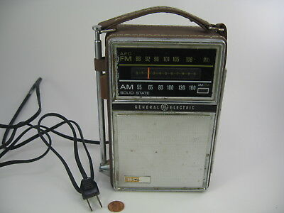 Vintage General Electric GE Solid State Two-Way Power AM FM Portable Radio
