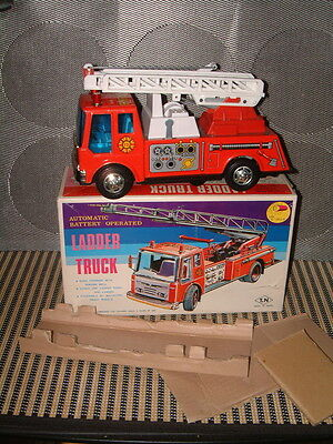 Vintage Nomura B/o, Fully Operational Automatic Ladder Fire Truck W/box!!