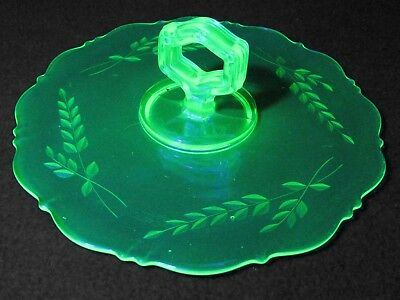 "Vintage Green Vaseline Glass Center Handle Plate Server Uranium 10"" Diameter"