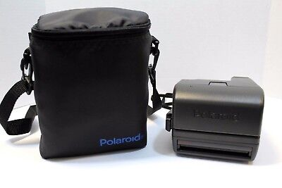 POLAROID One Step 600 Instant Film Camera with case - Great Condition, Powers On