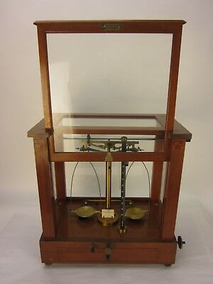 Vintage Sargent Apothecary Scale & Balance in Wood & Glass Case