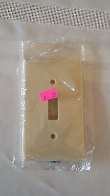 Leviton Ivory Toggle Switch Cover Wall Switch Plate New In Wrapper 1 Gang
