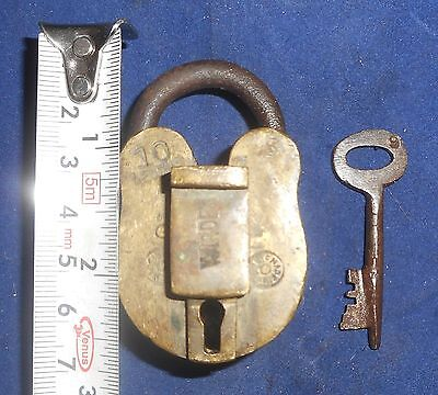 India Antique Brass handmade Padlock with Keyworking condition Br248
