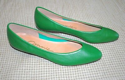 Vintage CONNIE Women's Flats Green Leather 90's Retro Rare Almond Toe Size 8.5
