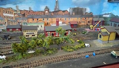 N Gauge Model Train Railway End to End Layout Boxed  cw Electric Points Track