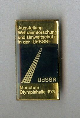 Vintage old Russia USSR Official Olympic badge for the Games in Munich 1975