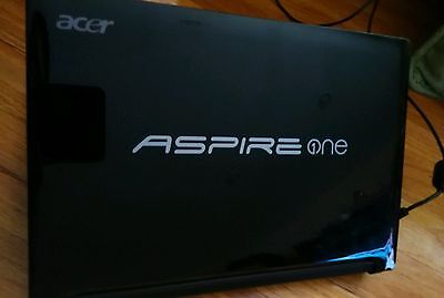 "Black - Acer Aspire One Netbook 10.1"" D225E- 1gb ram   / HD250GB/"
