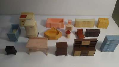 Lot of 16 Pieces Vintage Plastic Miniature Dollhouse Furniture Renwal Free Ship