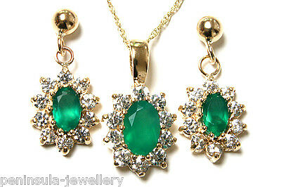 9ct Gold Green Agate Pendant and Earring Set Gift Boxed Made in UK