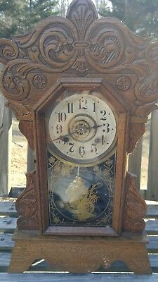 Antique New Haven Clock Company Carved Oak 8 Day Mantle Clock With Key