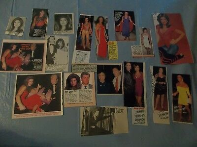Tracy Scoggins  lot of  clippings #CE -2