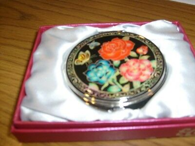 Compact Mirrior Lacquerware inlaid w/ Mother of Pearl Floweral Design w/Gift Box