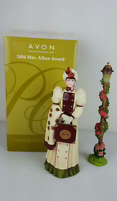 Avon President's Club 2006 Mrs. Albee Figurine Award In Box Original Certificate