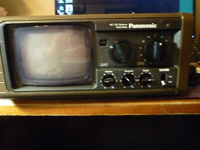 Panasonic Portable Solid State TV Model TR-525 AC/DC Vintage black & white