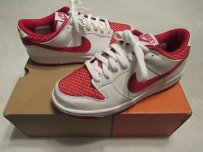 Vintage Nike Womens Dunk Low Valentines Day 2005 Shoes 7.5 Great Shape