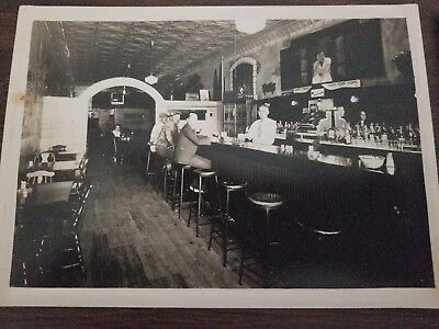 1930s photos  two  5 by 7 photos of Gateway Tavern in Chicago. 1933 and 1935