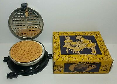 Rare Vintage 1940s NOS Little Deb Northwestern Products Waffle Iron Never Played