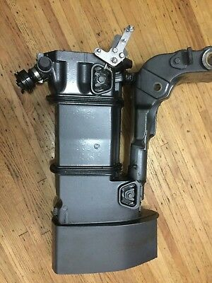 1999 Johnson Evinrude 35Hp Exhaust Housing 0436133 Swivel Bracket 0340011