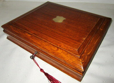 LOVELY VICTORIAN SOLID ENGLISH OAK & BRASS BOX...nice interior,with key