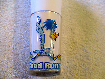 "Vintage 4"" tall Drinking Glass Road Runner, sylvester the cat image moulded@base"