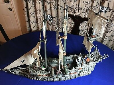 Mega Bloks Pirates of the Caribbean The Flying Dutchman Pirate Ship (Incomplete)