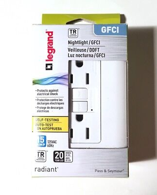 Pass & Seymour Legrand 15-Amp Radiant Nightlight GFCI Outlet White 1597NTLTRWCC4