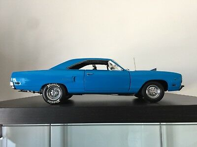 Plymouth Road Runner 1970 GMP 1:18 modifier drag