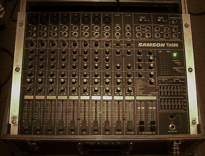 SAMSON TM-500 12 Kanal Power Mixer  On Board DSP Processing incl. Case !