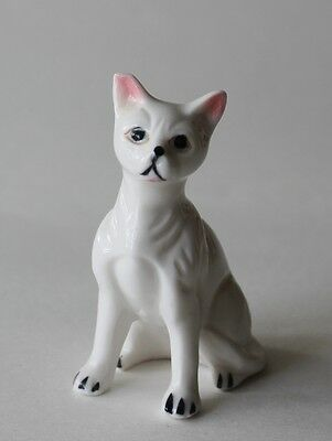 Vtg White Porcelain Cat Small Figurine with Pink Ears