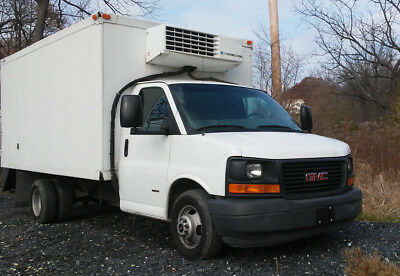 2007 GMC Savana 3500 Box Truck, Duramax, Thermo King. Clean Carfax avalable