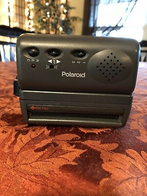 Vintage Polaroid 600 Camera-One Step Close Up Flash Instant Camera With Strap.