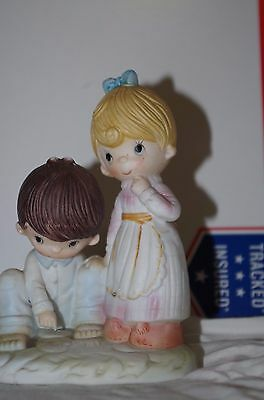 Fei Collectors Edition Porcelain Figurine Boy And Girl Nice (L#134)