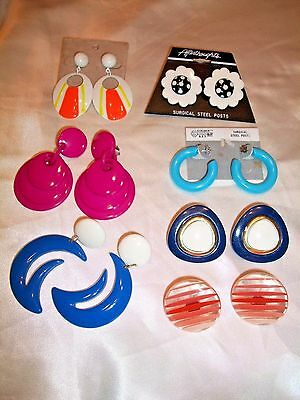 Lot Of 7 Pair Of Vintage 70S Plastic (1 Metal) Earrings~Pierced & Clip~All Nice!