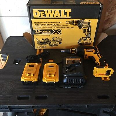 DEWALT 20 volt drywall screw gun kit NEW