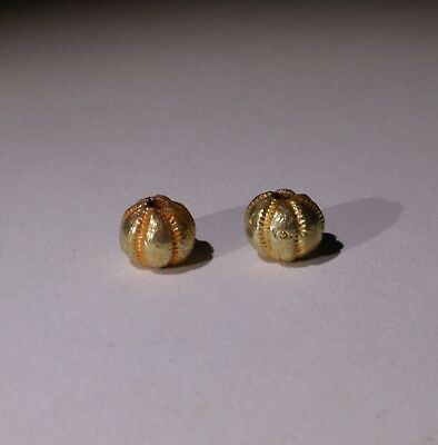 2 X Post Medieval Gold Beads - No Reserve 01