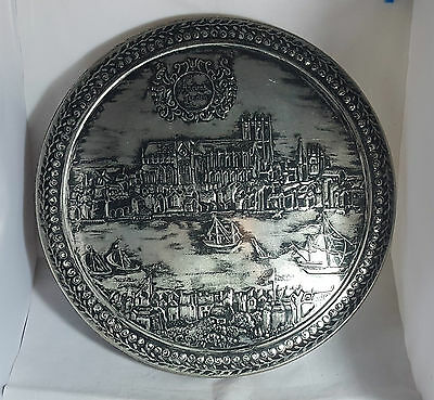 Beautiful Very Large Collectable Storage Tin (Diameter - 38 cm)