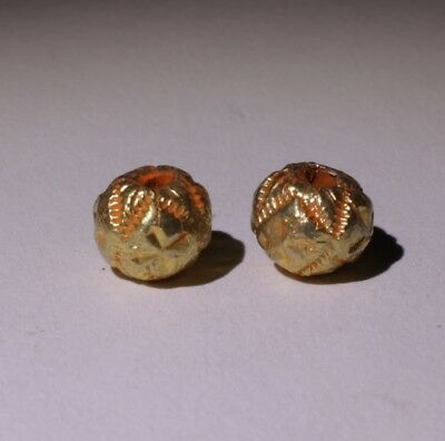 2 X Post Medieval Gold Beads - No Reserve 02