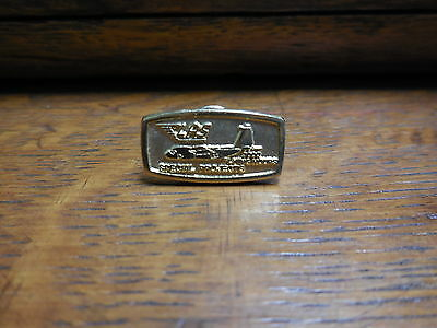 Vtg U.S Air Force LAS Light Air Support C-130 Pin 3000 Flying Hours Award