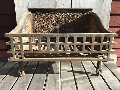 Antique Cast Iron Fire Place Grate Decorative Ornate 1748 NH Barn Find
