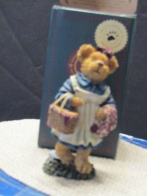 Boyds Molly B Berriweather Teddy Bear's Picnic #02002-21 Bearstone Collection